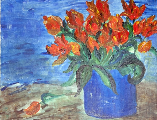 Tulpen in blauer Vase